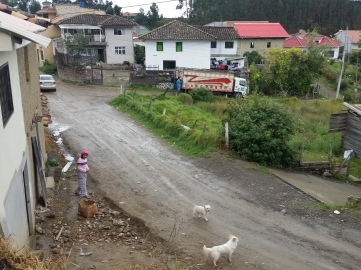 Typical side road of Sayausi
